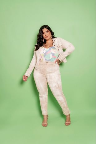 calca-plus-zise-jeans-collor-mom-ana-maya-curves