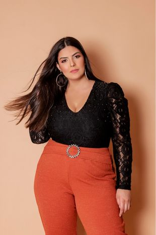 body-plus-size-bordado-em-renda-ana-maya-curves--1-
