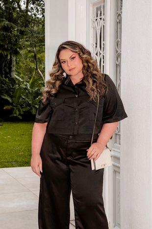 conjunto-plus-size-camisa-cropped-e-calca-ana-maya-curves-4