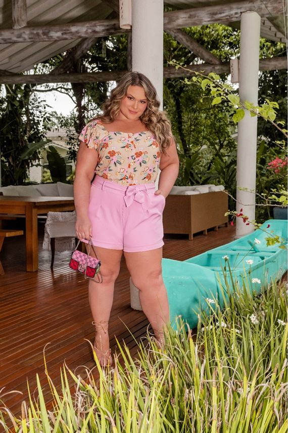 blusa-plus-size-estampada-floral-manga-com-babados-ana-maya-curves-1