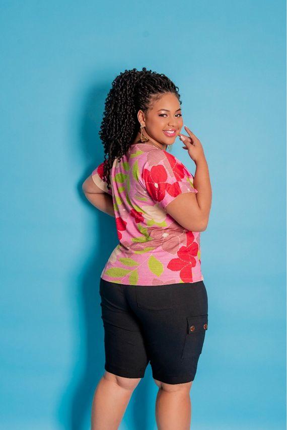 blusa-plus-size-estampada-decote-v-manga-curta-ana-maya-curves-3